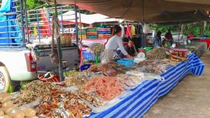 Рынок выходного дня на острове Ланта