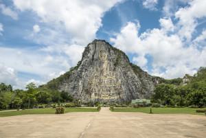 Наскальный Будда Кхао Чи Чан (Khao Chi Chan) в Паттайе