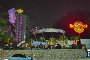 Ресторан живой музыки Hard Rock cafe в Паттайе