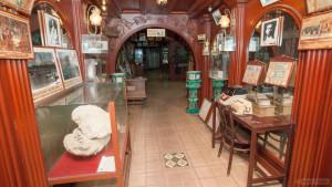 Музей в лобби отеля Таворн на Пхукете