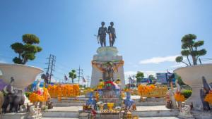 Памятник героиням Пхукета